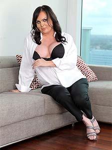 Wendy Williams, shemale dodue en lingerie résille